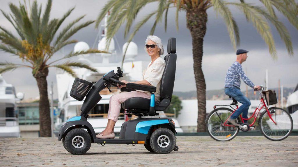 Alquilar un scooter o silla eléctrica para mayores, una ventaja para la comodidad