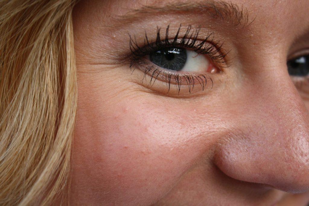 Cómo una crema antiarrugas puede ayudarte a prevenirlas